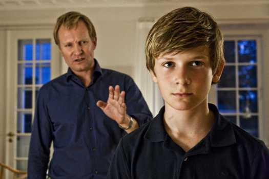 Em mundo melhor: é um filme com um pai e um filho.