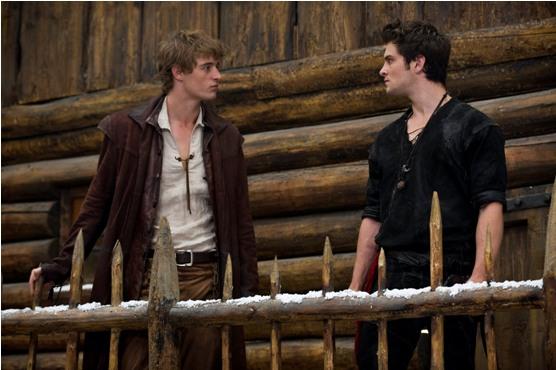 O Edward e o Jacob da vez: pelo menos, eles não montam a barraca juntos.