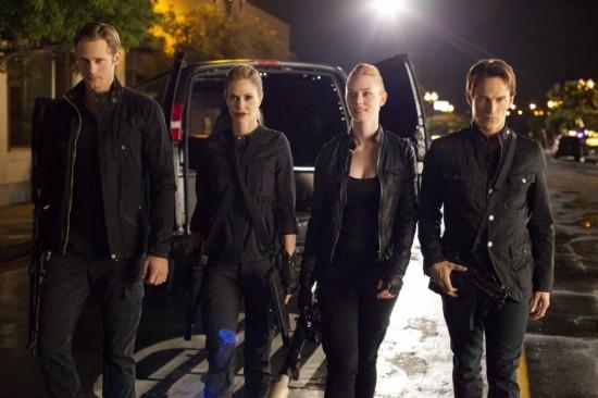 Atemporais: A gangue vampírica adotou um visu meio ficção científica 1999/2000.