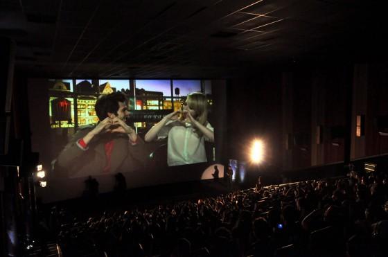 Só love: Andrew, Emma e 180 fãs. Foto: Claudio Bonesso.