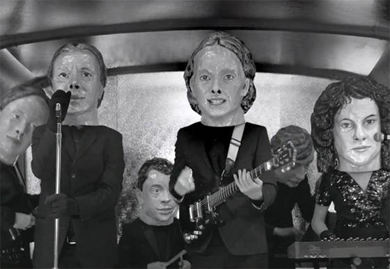Arcade Fire 'encabeçando' a pilulista.